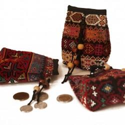 Small purse with ziberd
